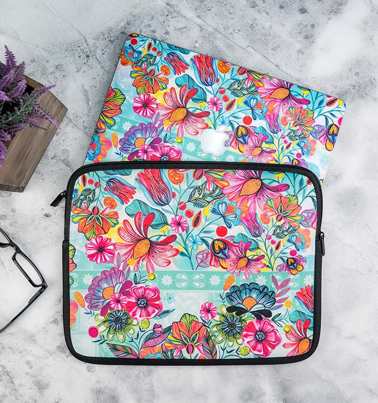 DecalGirl Laptop Sleeves