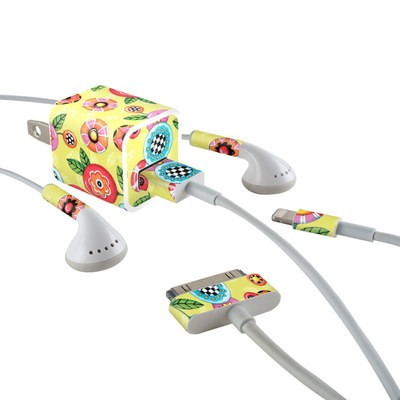 Apple iPhone Charge Kit Skin - Button Flowers