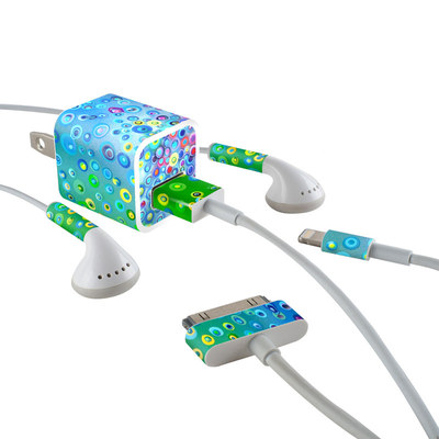 Apple iPhone Charge Kit Skin - Bubblicious