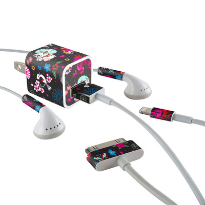 Apple iPhone Charge Kit Skin - Geisha Kitty