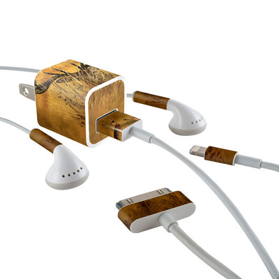 Apple iPhone Charge Kit Skin - Hiding Buck