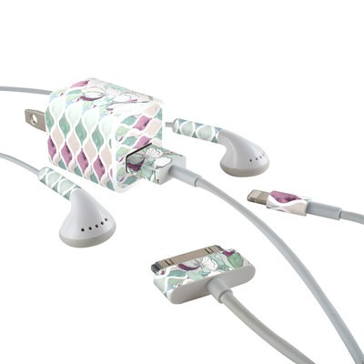 Apple iPhone Charge Kit Skin - Nouveau Chic