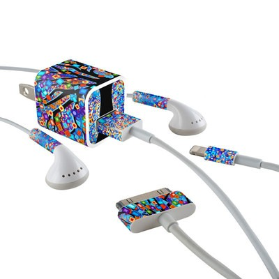 Apple iPhone Charge Kit Skin - Tree Carnival
