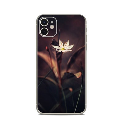 Apple iPhone 11 Skin - Delicate Bloom