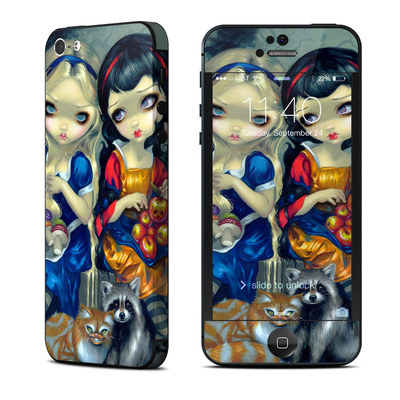 Apple iPhone 5 Skin - Alice & Snow White