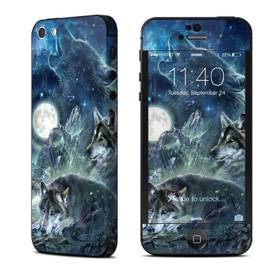 Apple iPhone 5 Skin - Bark At The Moon