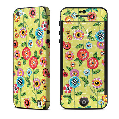 Apple iPhone 5 Skin - Button Flowers