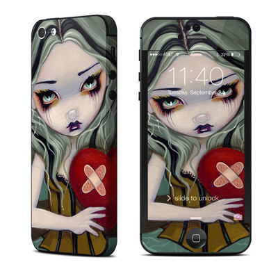 Apple iPhone 5 Skin - Broken Heart