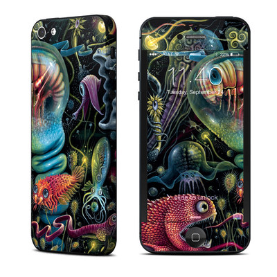 Apple iPhone 5 Skin - Creatures