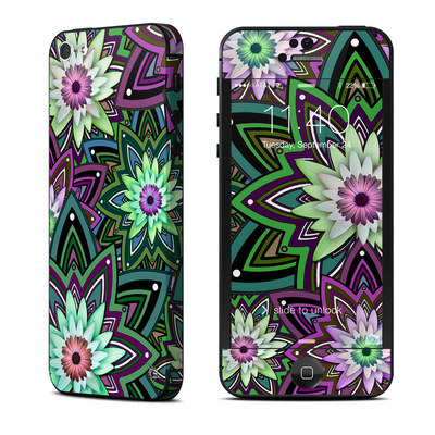 Apple iPhone 5 Skin - Daisy Trippin