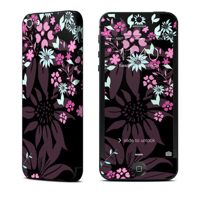 Apple iPhone 5 Skin - Dark Flowers