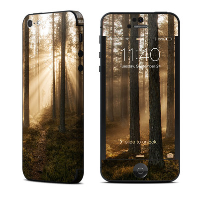 Apple iPhone 5 Skin - Misty Trail