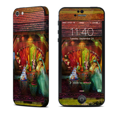 Apple iPhone 5 Skin - A Mad Tea Party