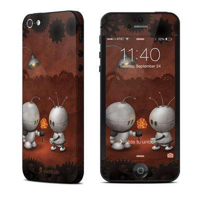 Apple iPhone 5 Skin - Robots In Love