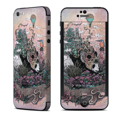 Apple iPhone 5 Skin - Sleeping Giant