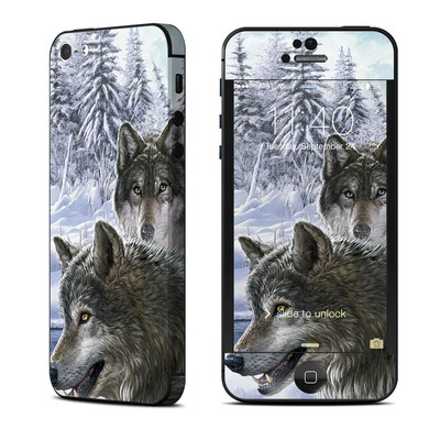 Apple iPhone 5 Skin - Snow Wolves
