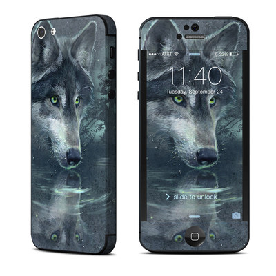Apple iPhone 5 Skin - Wolf Reflection