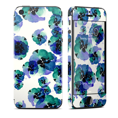 Apple iPhone 5S Skin - Blue Eye Flowers