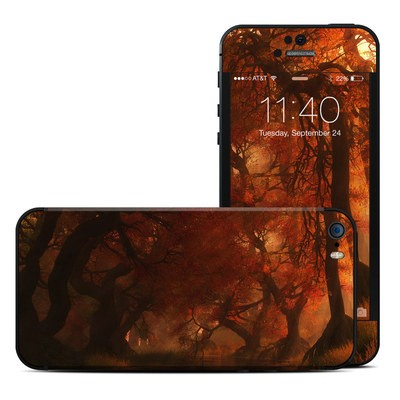 Apple iPhone 5S Skin - Canopy Creek Autumn