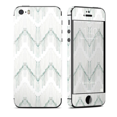 Apple iPhone 5S Skin - Chic Chevron