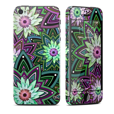 Apple iPhone 5S Skin - Daisy Trippin
