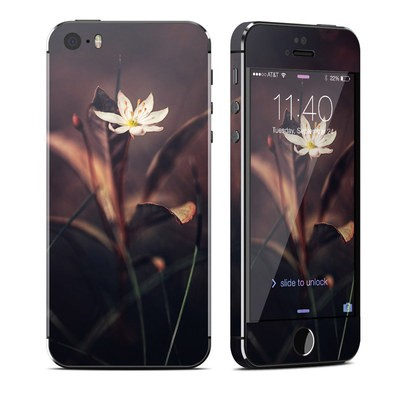 Apple iPhone 5S Skin - Delicate Bloom