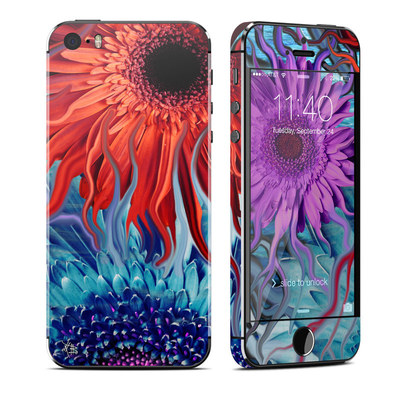 Apple iPhone 5S Skin - Deep Water Daisy Dance