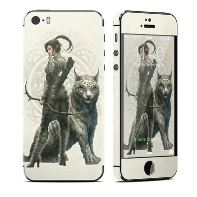 Apple iPhone 5S Skin - Half Elf Girl