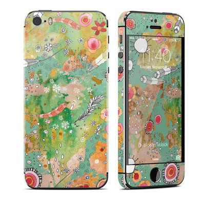 Apple iPhone 5S Skin - Feathers Flowers Showers