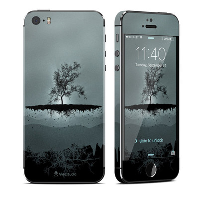 Apple iPhone 5S Skin - Flying Tree Black