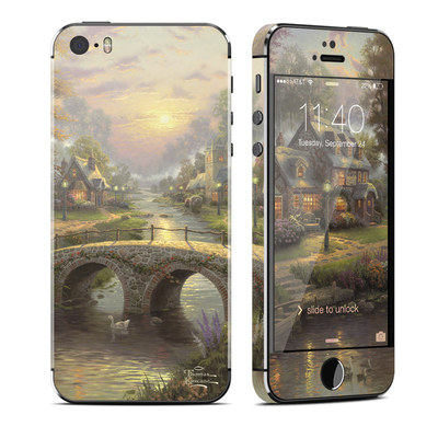 Apple iPhone 5S Skin - Sunset On Lamplight Lane