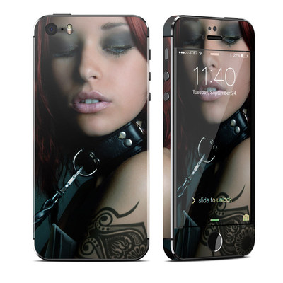 Apple iPhone 5S Skin - Leashed