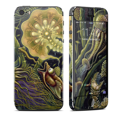 Apple iPhone 5S Skin - Light Creatures