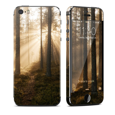 Apple iPhone 5S Skin - Misty Trail