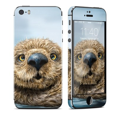 Apple iPhone 5S Skin - Otter Totem