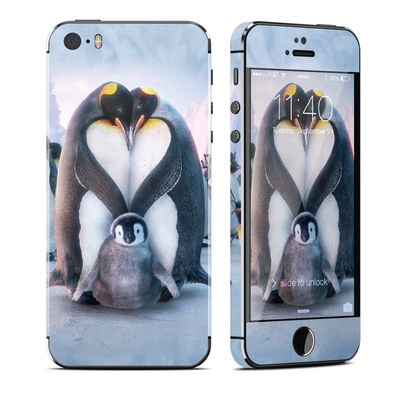 Apple iPhone 5S Skin - Penguin Heart