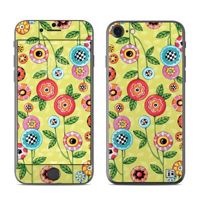 Apple iPhone 7 Skin - Button Flowers