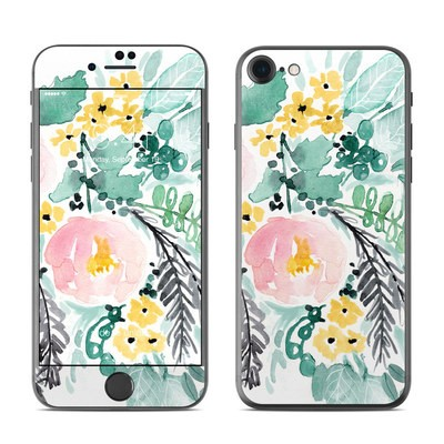 Apple iPhone 7 Skin - Blushed Flowers