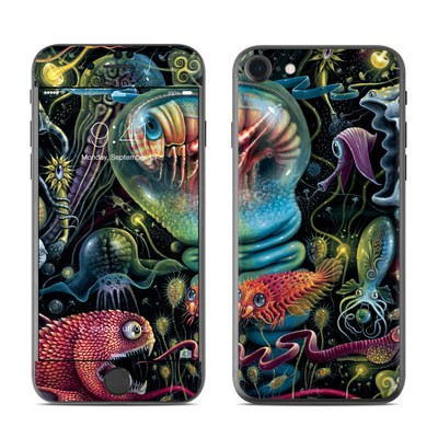 Apple iPhone 7 Skin - Creatures