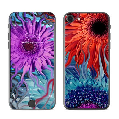 Apple iPhone 7 Skin - Deep Water Daisy Dance