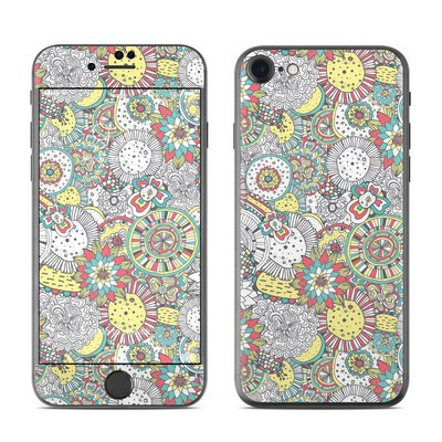 Apple iPhone 7 Skin - Faded Floral
