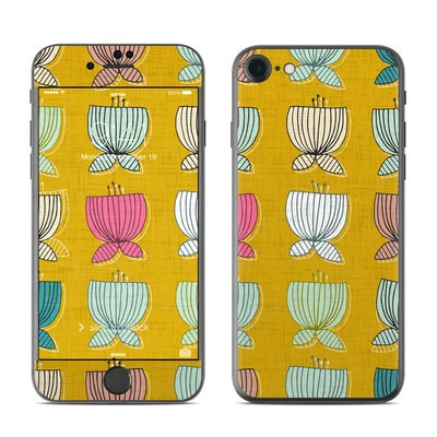 Apple iPhone 7 Skin - Flower Cups