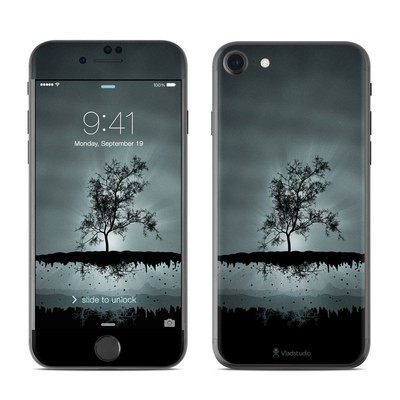 Apple iPhone 7 Skin - Flying Tree Black