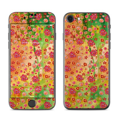 Apple iPhone 7 Skin - Garden Flowers