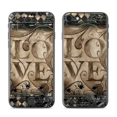 Apple iPhone 7 Skin - Love's Embrace