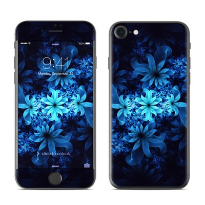 Apple iPhone 7 Skin - Luminous Flowers