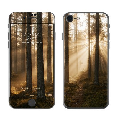 Apple iPhone 7 Skin - Misty Trail