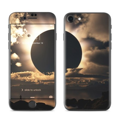 Apple iPhone 7 Skin - Moon Shadow