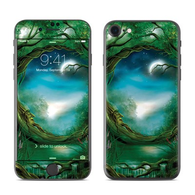 Apple iPhone 7 Skin - Moon Tree