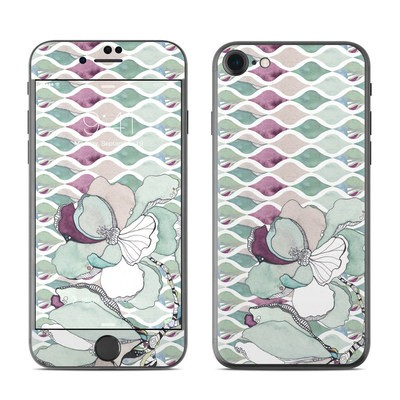Apple iPhone 7 Skin - Nouveau Chic